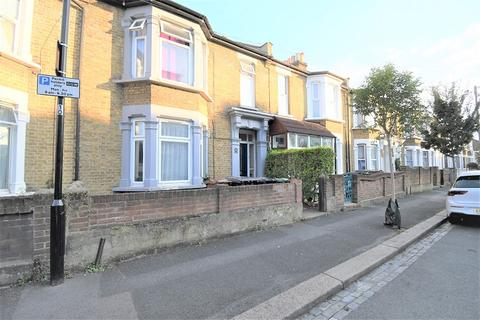 3 bedroom ground floor flat to rent - Leyton Park Road, London, Greater London. E10