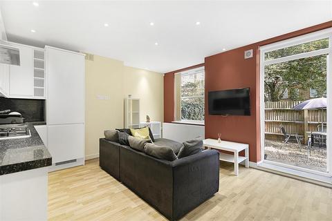3 bedroom flat to rent - Fulham Road, SW6