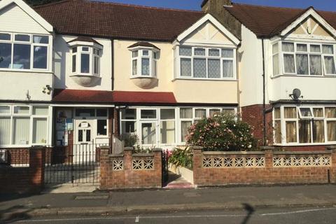 Terraced house to rent - Estreham Road,  London, SW16