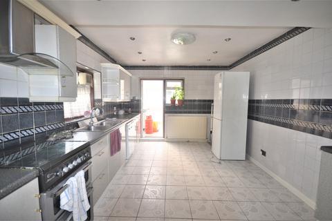 4 bedroom terraced house to rent - Boleyn Road, LONDON, E7