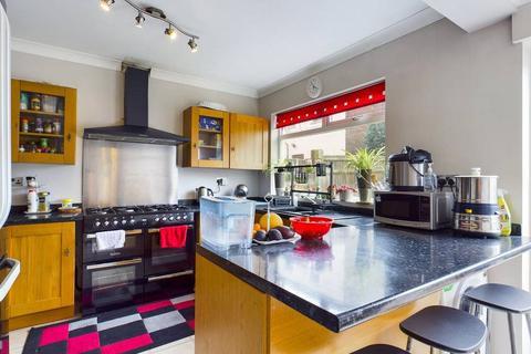 3 bedroom semi-detached house for sale - Cromer Street, Tonbridge, Kent, TN9