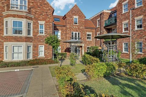 2 bedroom flat for sale - Nelson Road, Essex, SS9
