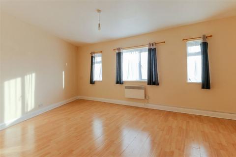 2 bedroom flat to rent - Green Street, Enfield, Middx