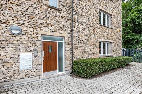 2 bedroom apartment for sale - 8 Earle Court, Kendal, Cumbria, LA9 4SF