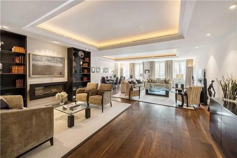 3 bedroom apartment to rent - Lancelot Place, SW7