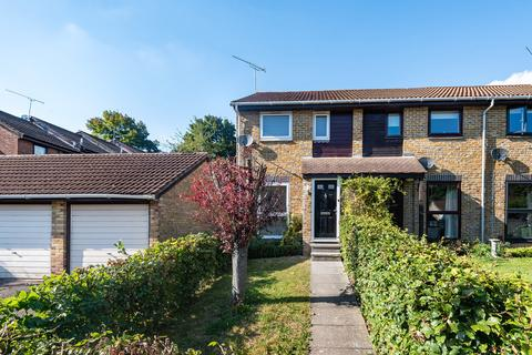 2 bedroom end of terrace house for sale - Plough Way, Winchester
