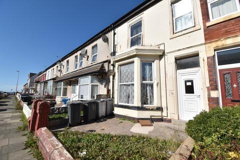 3 bedroom flat for sale - Warley Road, Blackpool, FY1