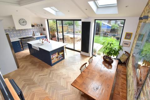 5 bedroom semi-detached house for sale - Benson Road