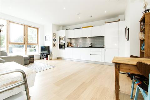 2 bedroom apartment for sale - Vergers Apartments, Eastway, London, E9