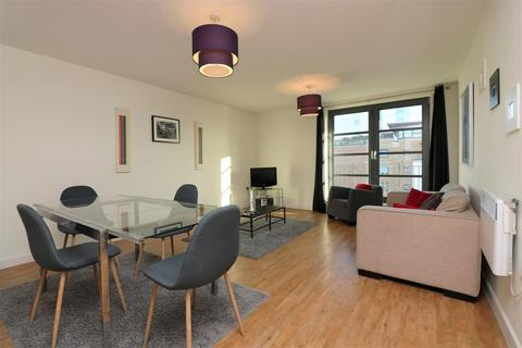 2 bedroom apartment to rent - Zenith Building, London, E14