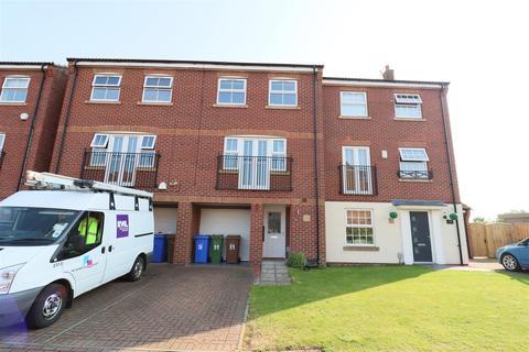 3 bedroom townhouse to rent - Sandringham Road, Brough