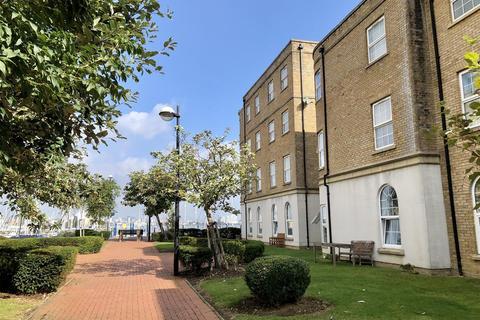 2 bedroom apartment for sale - St James House, Llwyn Passat, Penarth Marina