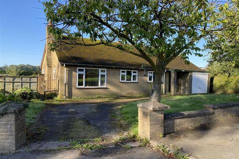 3 bedroom detached bungalow for sale - Tower Hill Road, Stoke - On - Trent, Staffordshire