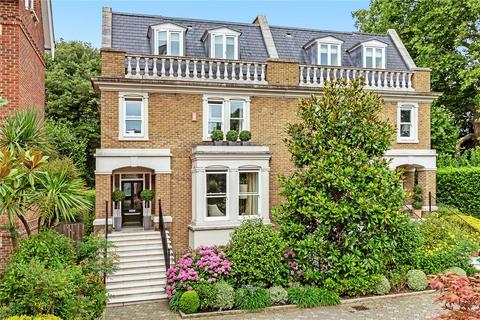 6 bedroom semi-detached house for sale - Martineau Drive, Twickenham, TW1