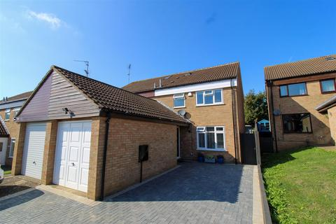4 bedroom house for sale - Spinney Hill Road, Northampton