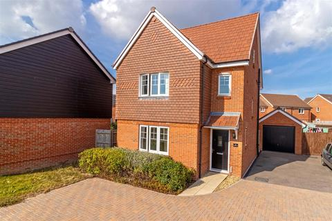 4 bedroom house for sale - Peony Grove, Worthing