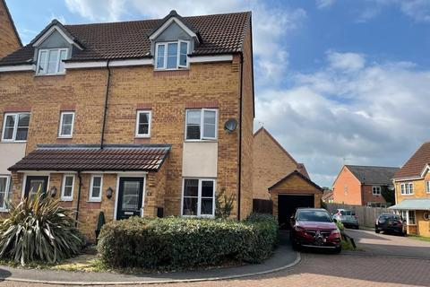 3 bedroom semi-detached house for sale - Wellingar Close, Braunstone, Leicester, LE3
