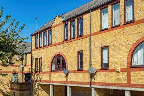 3 bedroom duplex for sale - 18 Codling Close, Wapping E1W 2UX