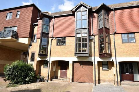 3 bedroom terraced house for sale - Hathaway Court, Rochester ME1
