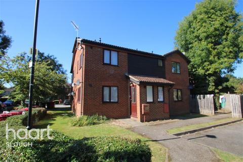1 bedroom flat to rent - Mountbatten Close, Slough
