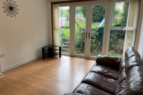 3 bedroom flat to rent - Cummings Park Crescent, Northfield, Aberdeen, AB16