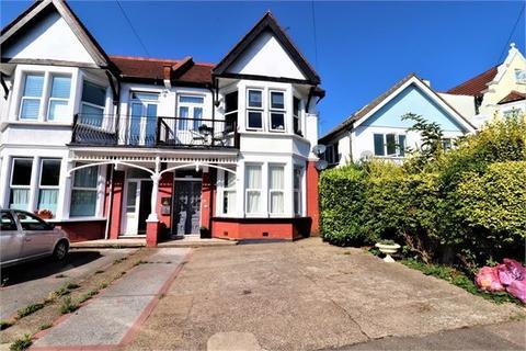 3 bedroom apartment to rent - Pembury Road, Westcliff on sea, Westcliff on sea,