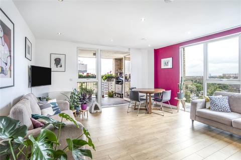 3 bedroom apartment for sale - Bolinder Way, London, E3