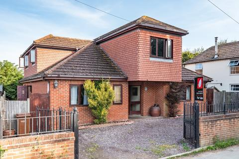5 bedroom detached house for sale - High Street, Isle Of Grain ME3