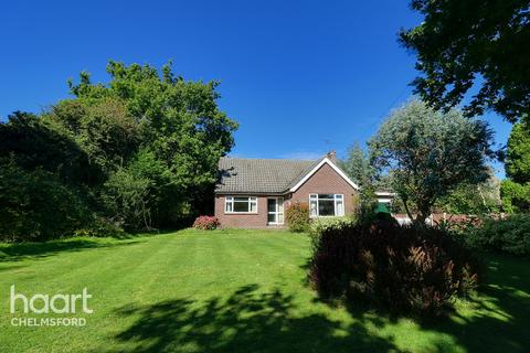 2 bedroom bungalow for sale - Rignals Lane, Chelmsford