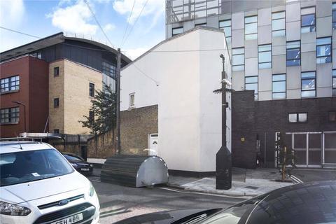 3 bedroom apartment for sale - Casterton Street, London, E8