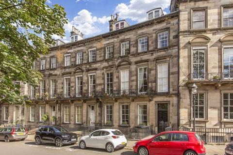 2 bedroom flat for sale - 3/2F, Clarendon Crescent, Edinburgh, EH4 1PT