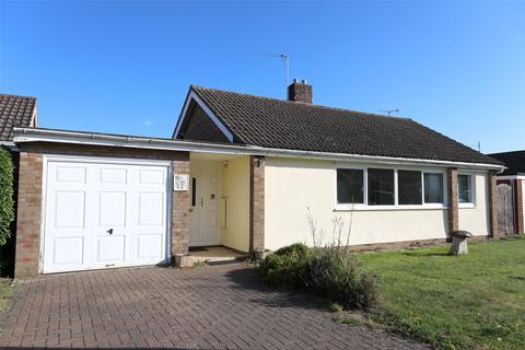 3 bedroom bungalow for sale - Highland Road, Charlton Kings, Cheltenham, Gloucestershire, GL53