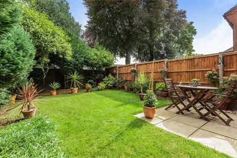 3 bedroom end of terrace house for sale - Lynscott Way, South Croydon, Greater London