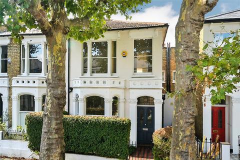3 bedroom end of terrace house for sale - Ellingham Road, London, W12
