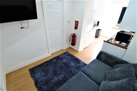 5 bedroom terraced house to rent - Cornwall Road, Coventry, CV1 2AE