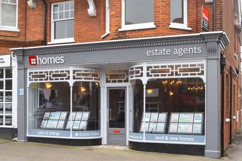 2 bedroom apartment to rent - Headley Road, Grayshott