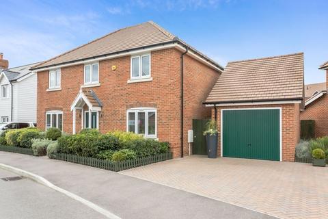 4 bedroom detached house for sale - Longhurst Drive, Billingshurst, West Sussex