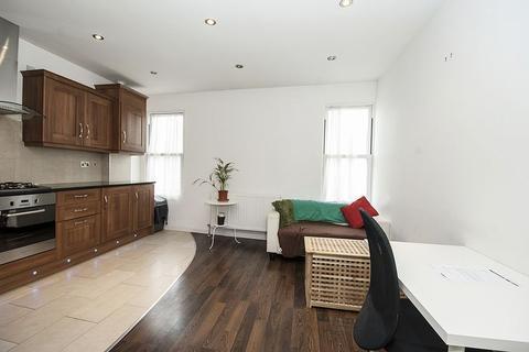 1 bedroom apartment to rent - High Street, Surrey