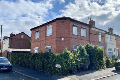 3 bedroom end of terrace house for sale - Hornbeam Road, Levenshulme, Manchester, M19