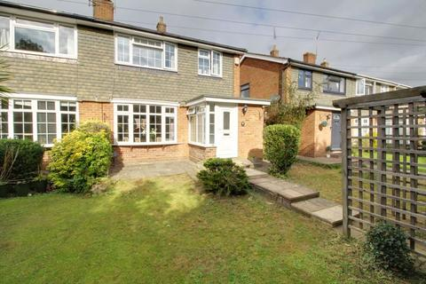 3 bedroom semi-detached house for sale - Colesdale, Cuffley