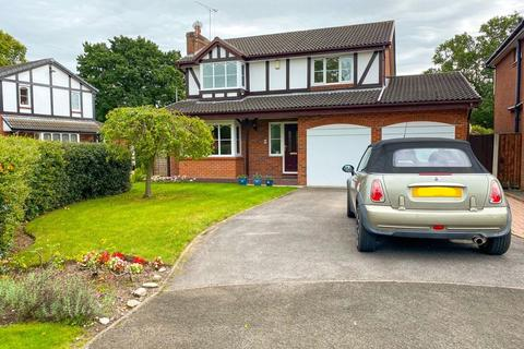 4 bedroom detached house for sale - Bude Close, Stoke-On-Trent