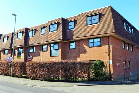 1 bedroom flat to rent - Albert Street, Fleet, GU51