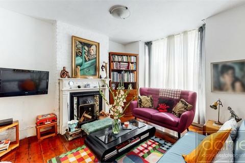 3 bedroom terraced house for sale - Rucklidge Avenue, Harlesden, NW10