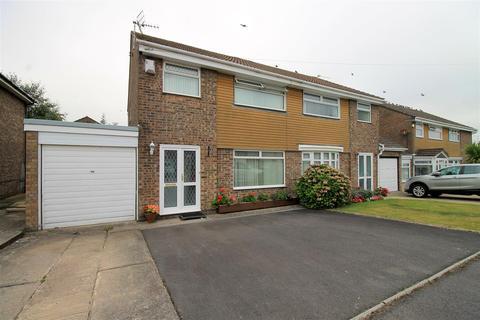 3 bedroom semi-detached house for sale - Blenheim Close, Barry