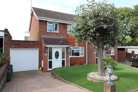 3 bedroom house for sale - Hollydale Close, Reading