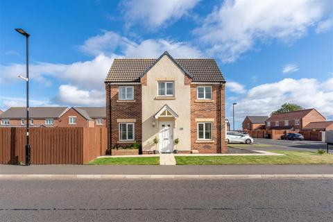 3 bedroom detached house for sale - Stonecrop Drive, Five Mile Park, Wideopen, Newcastle Upon Tyne