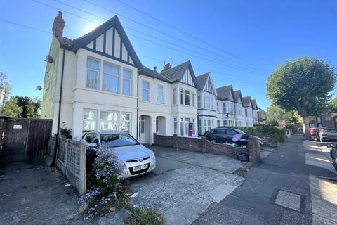 2 bedroom flat to rent - Anerley Road, Westcliff-On-Sea