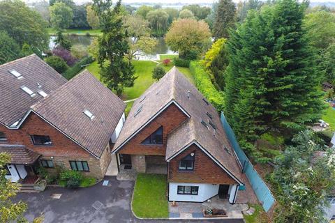 2 bedroom semi-detached house for sale - The Warren, Caversham, Reading