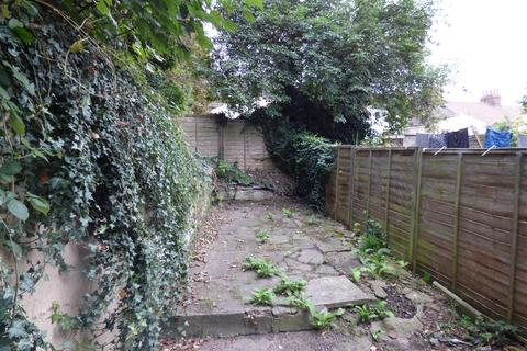 2 bedroom house for sale - Hayward Avenue, Strood, Rochester