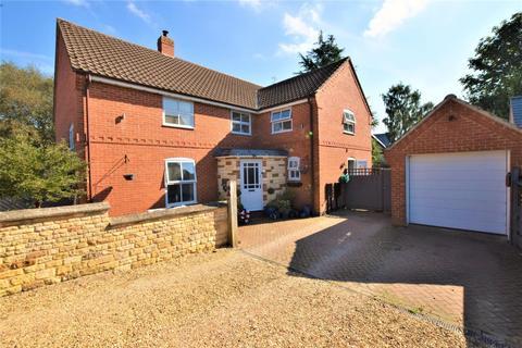 4 bedroom detached house for sale - Lawrence Close, Market Overton